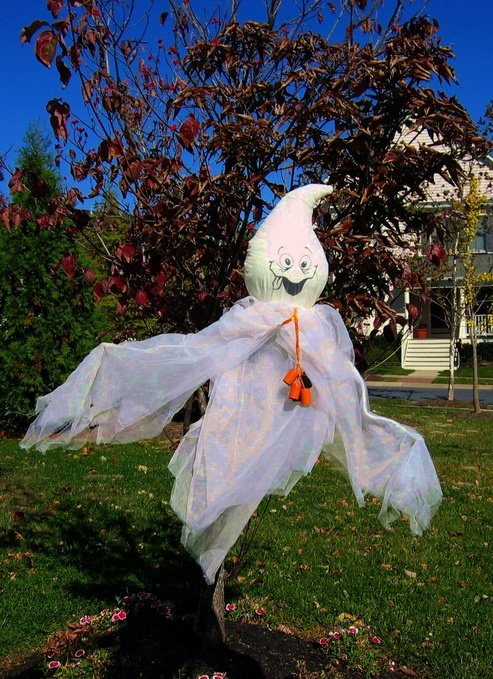 Rockville, MD : King Farm Ghost at Halloween