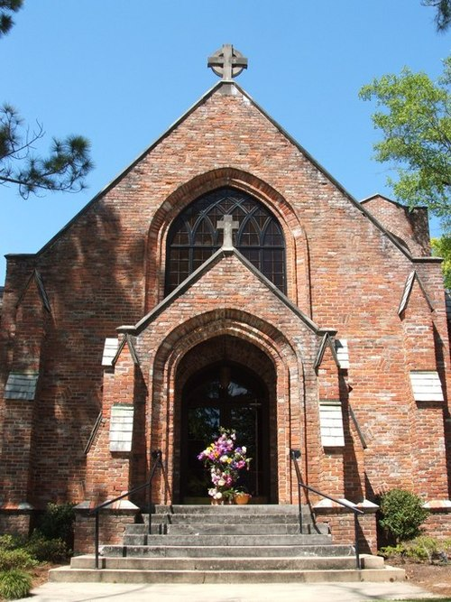 Troy, AL : St. Mark's Episcopal Church on the corner of College St. and Pine St.