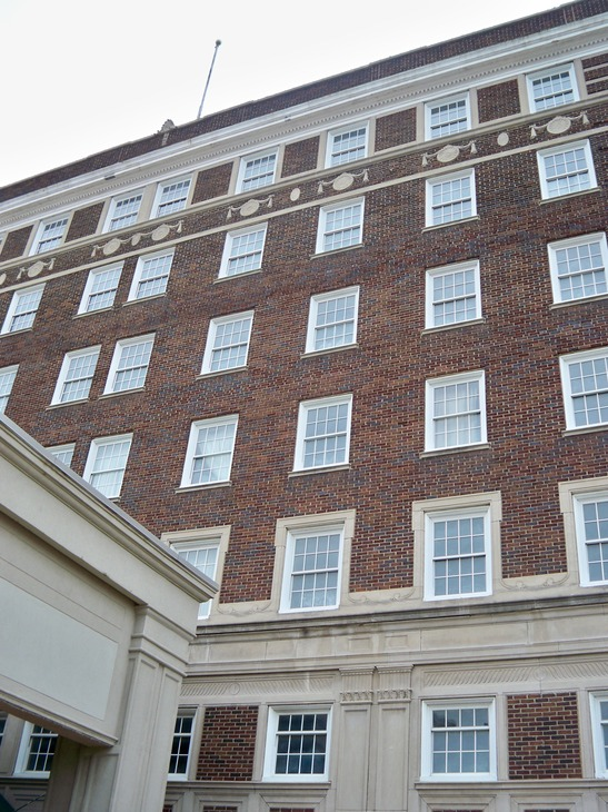 Muncie, IN : Historic Robert's Hotel Downtown Muncie