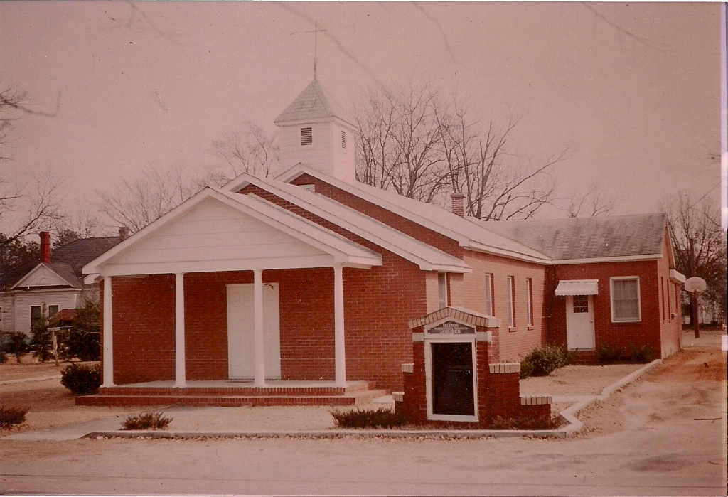 Maxton, NC: Maxton Pentecostal Holiness Church/ Original Church