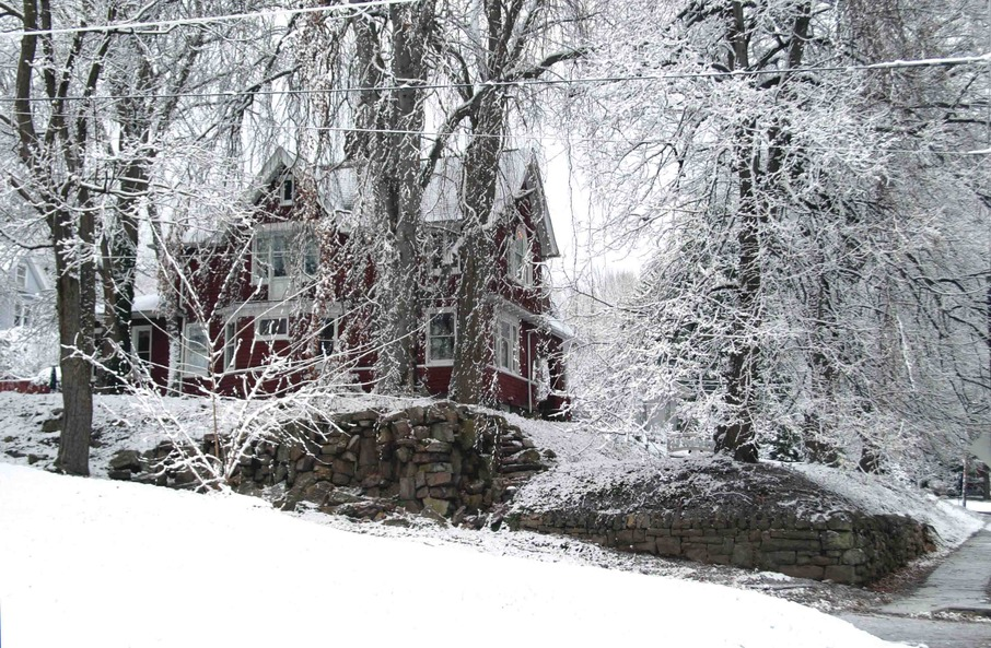 Williamsport, PA : Spectacular snowfall/ 116 yr old home/ Carriage House at 821 Fifth Ave. Williamsport PA