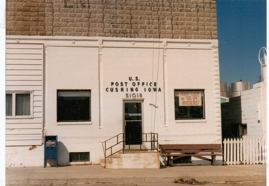 Cushing, IA: POST OFFICE