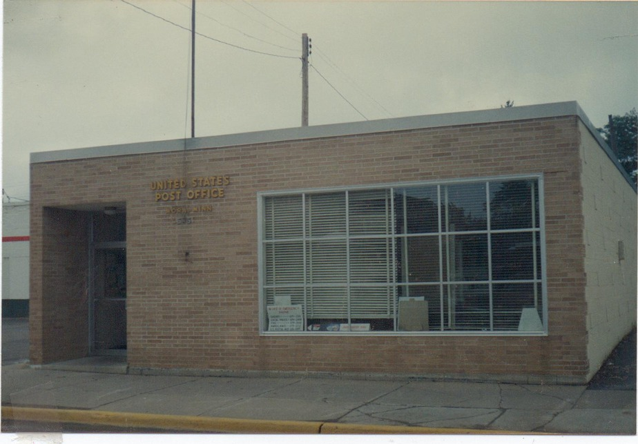 Mora, MN : POST OFFICE
