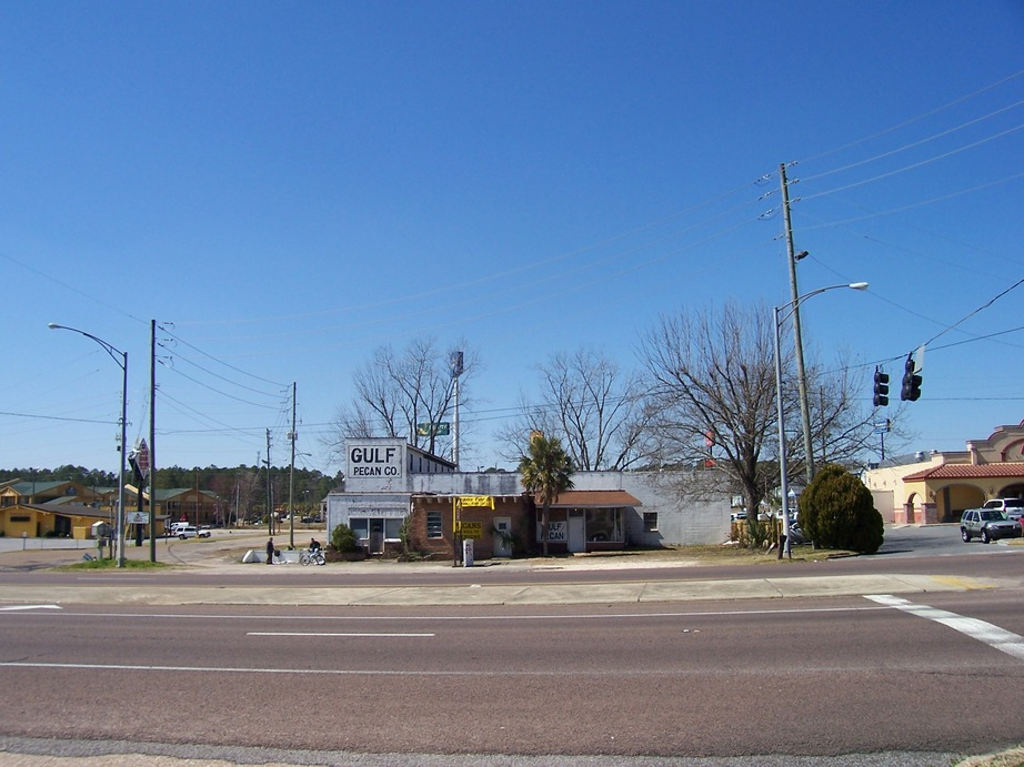 Tillmans Corner, AL : I-10 is to the left of this view of Government Blvd and the Gulf Pecan Co.