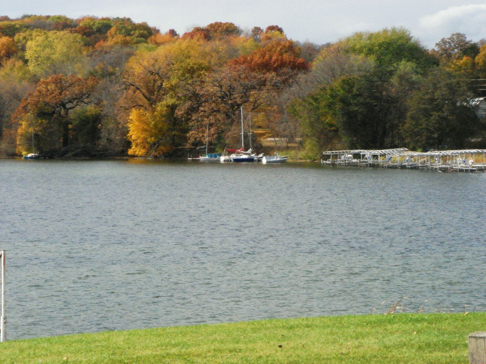 Lake Mills, WI: Fall at Rock Lake in Lake Mills