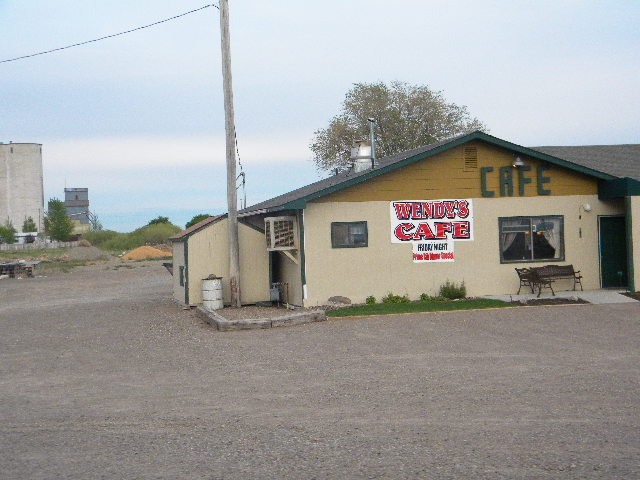 Hansen, ID : Local cafe