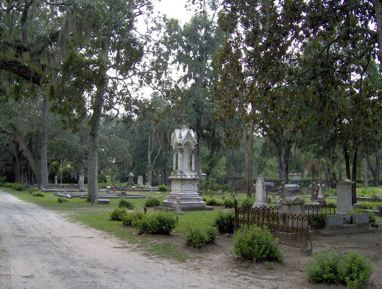 Savannah, GA : Bonaventure cemetery - Embodies the South...