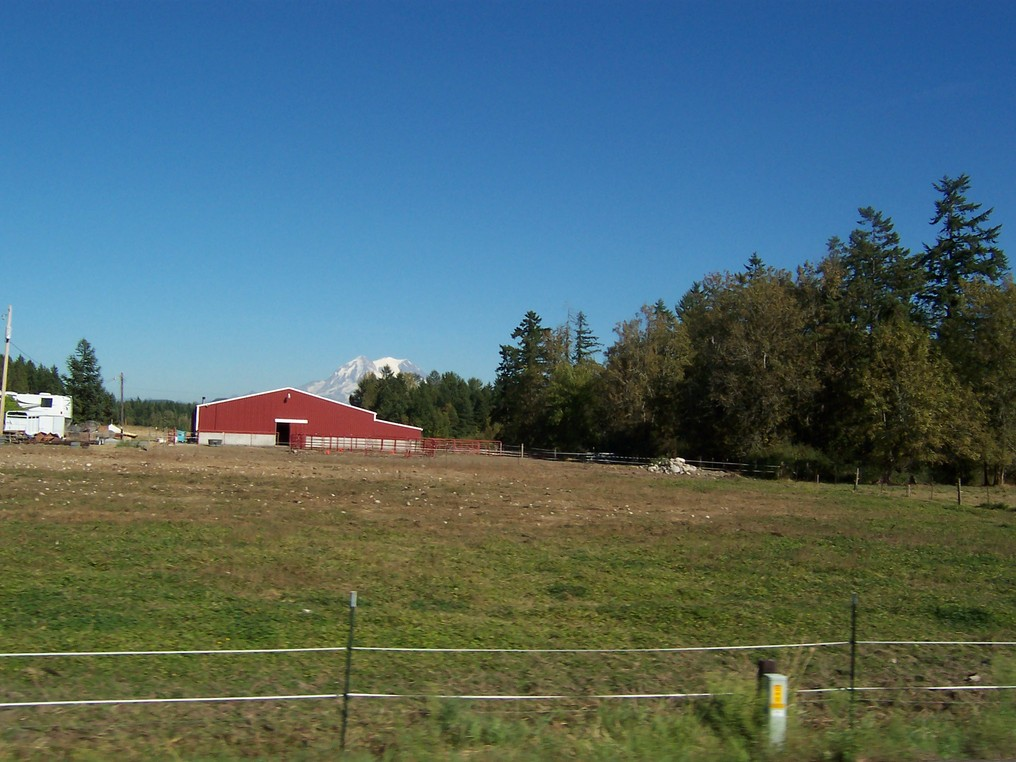 Eatonville, WA : Farm in Eatonville