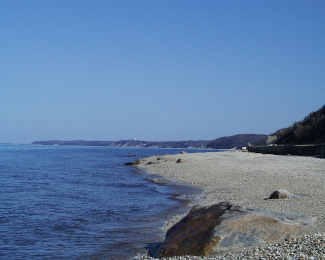 Wading River, NY : Long Island Sound at Wading River