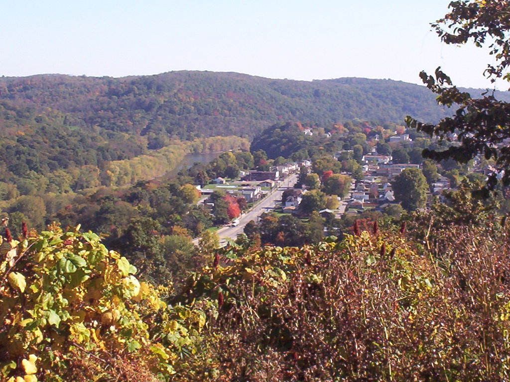 Beaver Falls, PA: Look down at 4th Ave. by wave pool and Morado from Grand View Cemetary