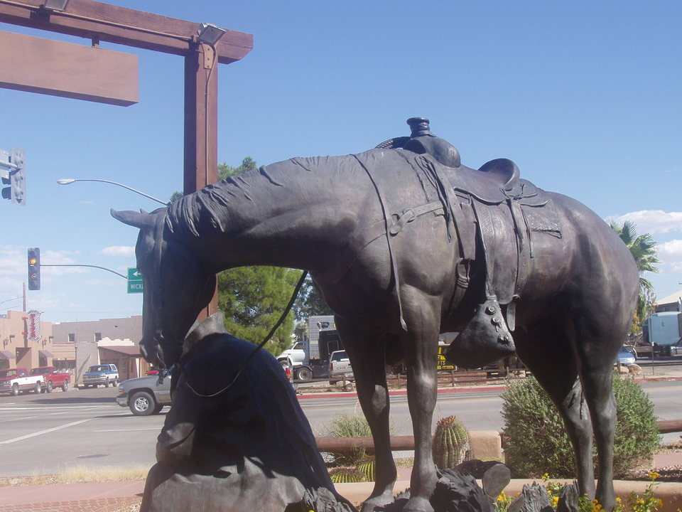 Wickenburg, AZ : Park in front of the local museum