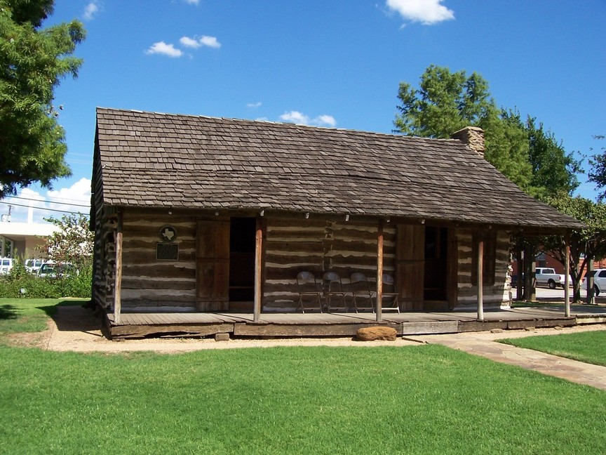 Grapevine, TX : Historic Log Cabin