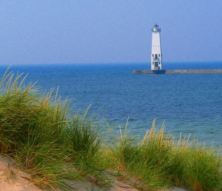 Frankfort, MI : Frankfort North Pier Lighthouse