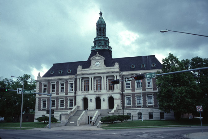 Grand Island, NE: Hall County Courthouse in Grand Island, NE
