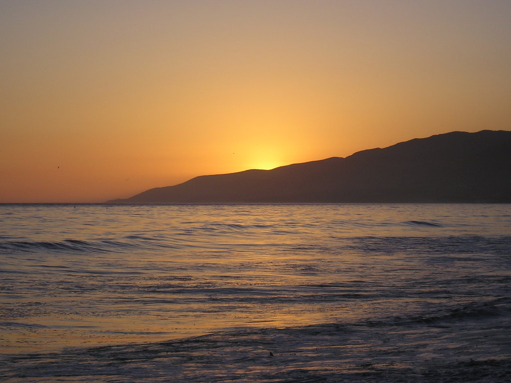 Los Angeles, CA : Summer Sunset in Malibu