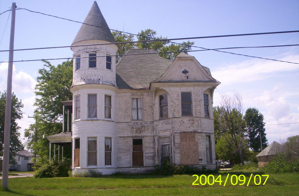 Arlington, IA: castle house in arlington, iowa