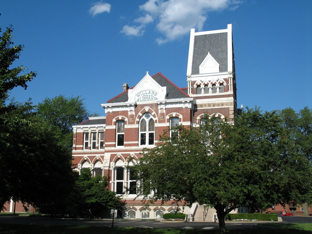 Evansville, IN: Willard Library