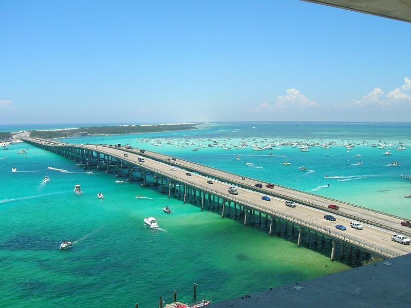 Destin, FL : The view from Emerald Grande looking onto Crab Island.