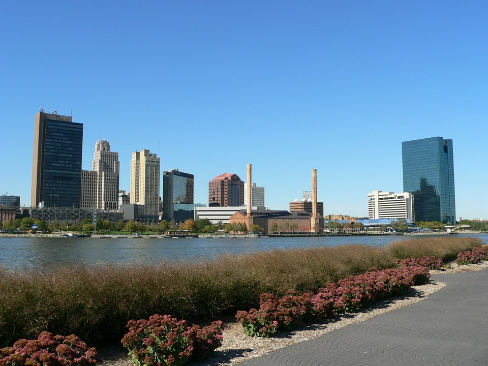 Toledo, OH: Toledo, OH on the banks of the Maumee River
