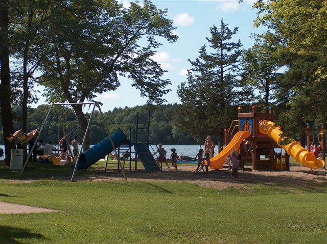 Upsala, MN : Cedar LAke Memorial Campground & Park