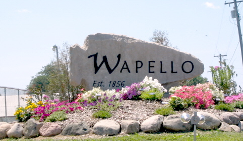 Wapello, IA : Entering Wapello from the North on Hwy 61