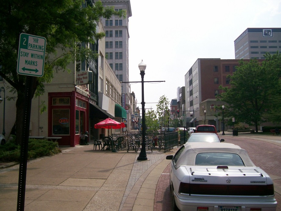 Evansville, IN : Downtown scene 2
