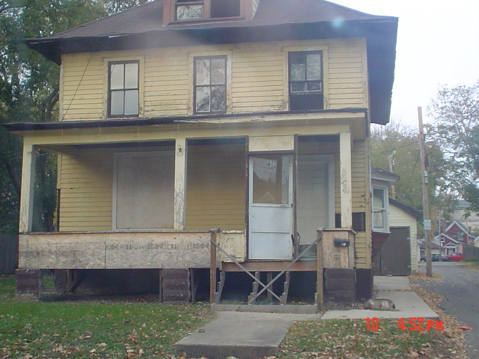 Aurora Il Abandoned House On Avon St Photo Picture