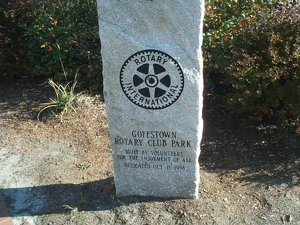 Goffstown, NH : Rotary Club Park sign