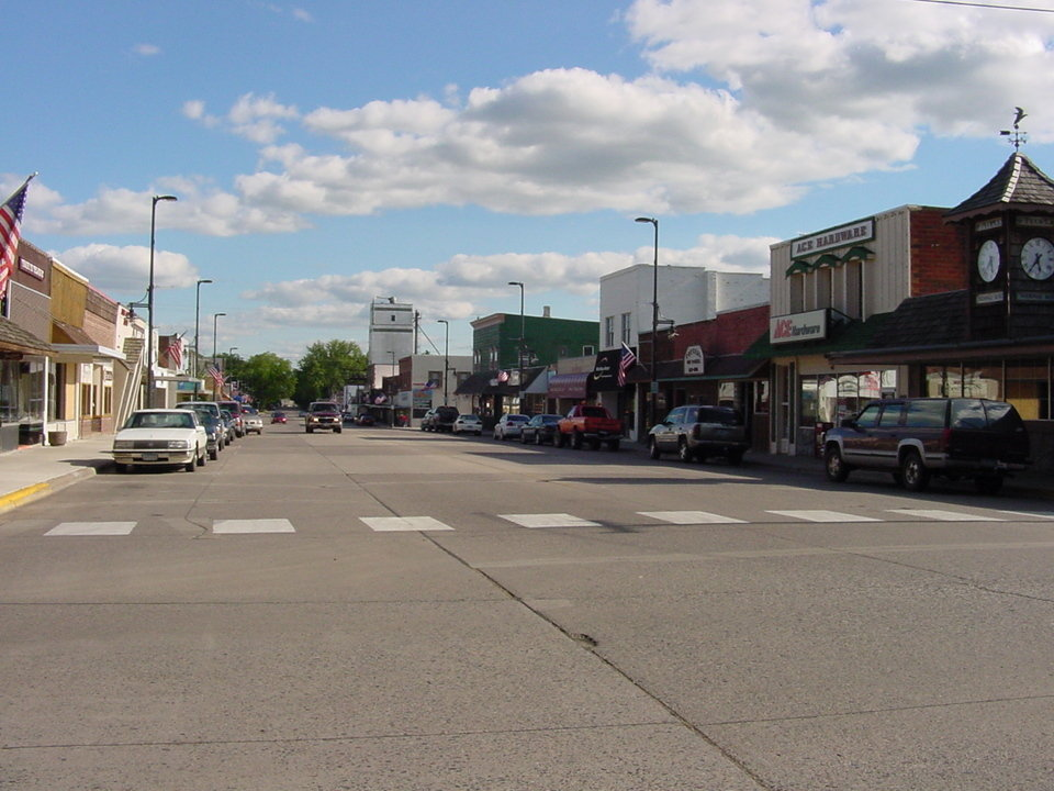 Mora, MN : Union Street (our Main Street) Downtown Mora