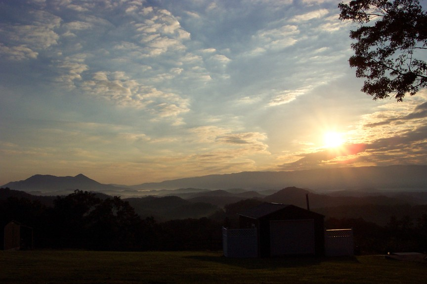 Clifton Forge, VA : Early Morning sunrise in Clifton Forge ((((: