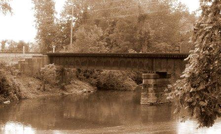 Wapakoneta, OH : Bridge over Auglaize River