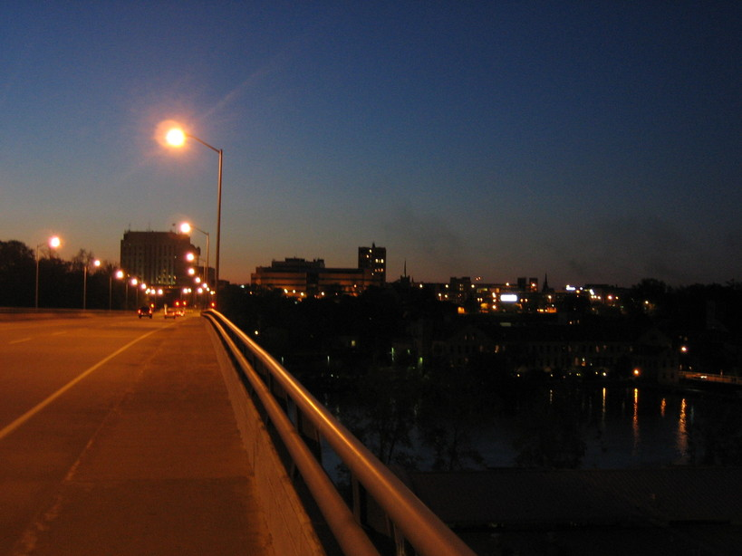 Appleton, WI: Appleton skyline from the Oneida Skyline Bridge