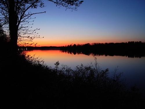 Leesport, PA : Lake Ontelaunee in Fall 2008 Sunset
