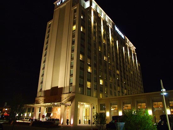 Wheeling, IL : Westin At Night