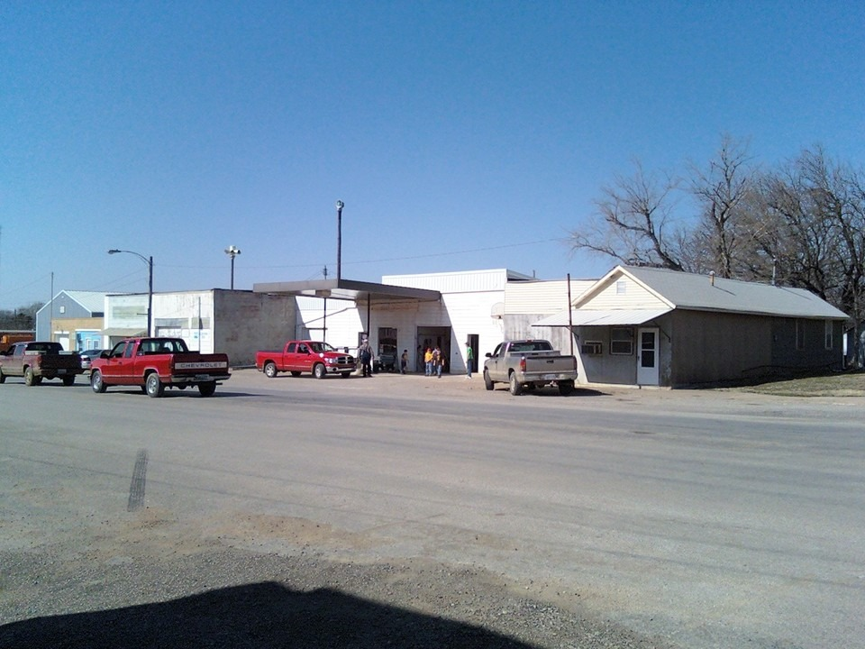 Hamilton, KS : Gas Station