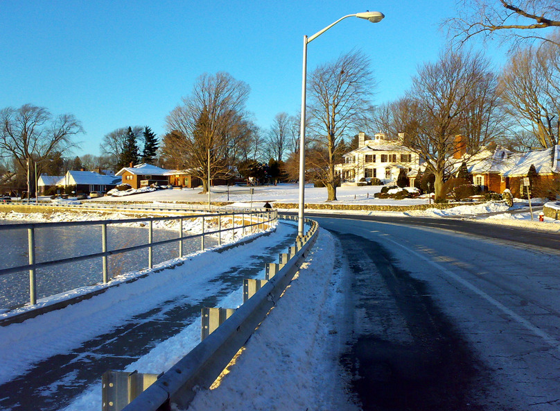 Wakefield, MA : Main Street around Beebe Cove