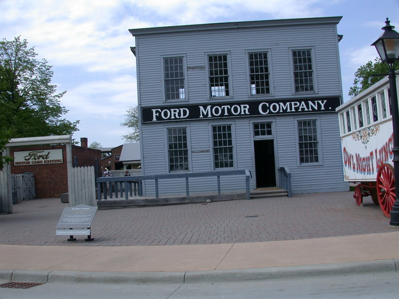 ford motor company dearborn michigan 48126