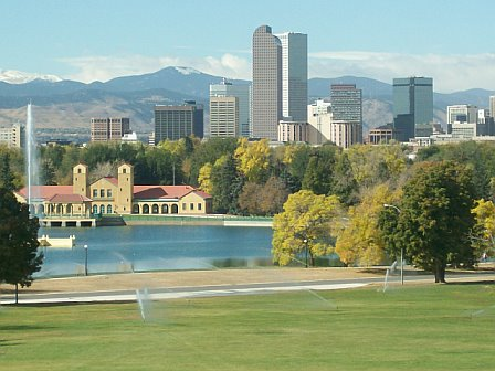 Chelsea, IA: Denver's park, skyline and mountains