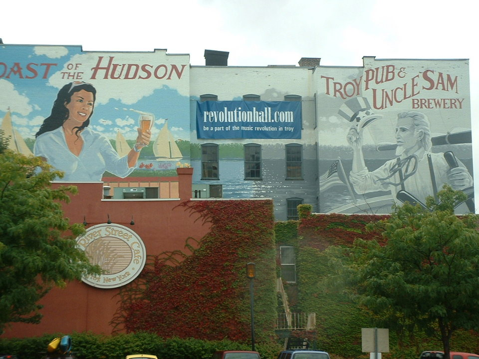 Troy, NY : troy ny mural on building