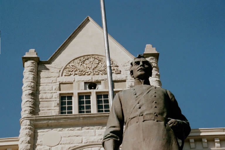 Carrollton, MO: The Bronze Statue of General James Shields