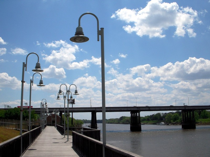 Monroe, LA: Ouachita riverwalk and I-20 bridge - Monroe Downtown