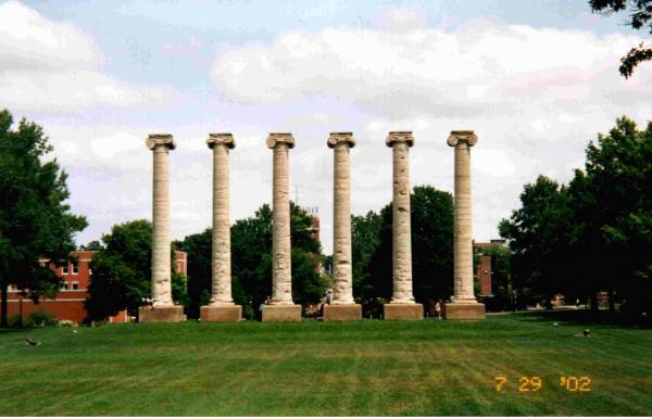Columbia, MO : The Columns at The University of Missouri-Columbia