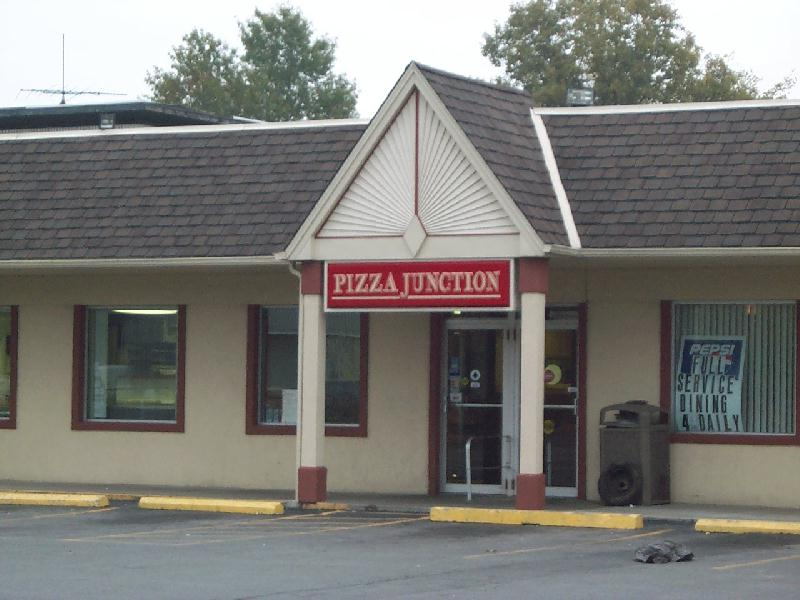 North Tonawanda, NY : 'Junction Pizza' - people come from near and far just to taste it again!