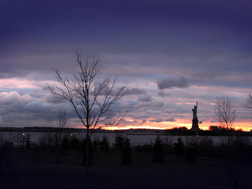 Jersey City, NJ : Statue of Liverty viewed from Liberty State Park, Jersey City, NJ