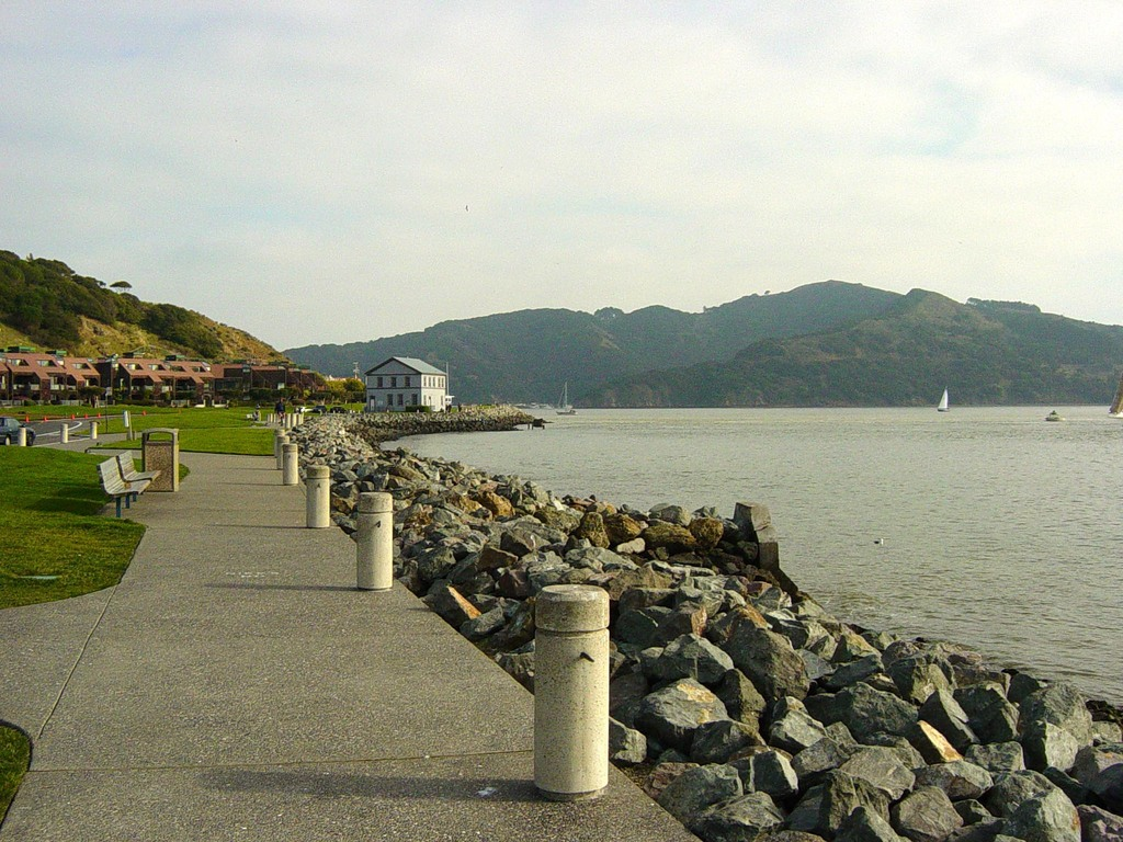 Tiburon, CA : Tiburon Walking Path