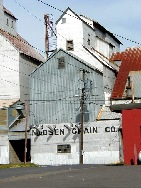 Carlton, OR : Madsen Grain building