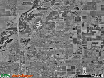 Zip code 93720 satellite photo by USGS