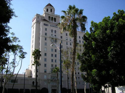 Long Beach Ca Breakers Hotel Downtown